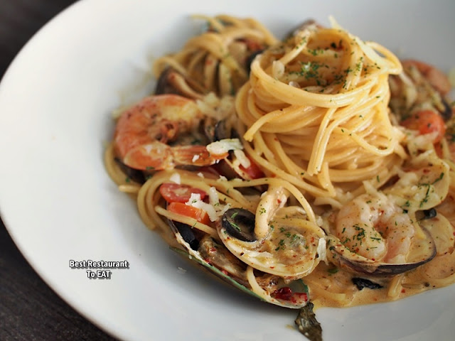 Jigger & Shaker Seremban New Year Eve Dinner Menu - Seafood Platter - Linguine Pescatore In Cream Sauce