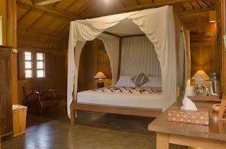Kamar Tidur Minimalis Dengan Desain Tradisional
