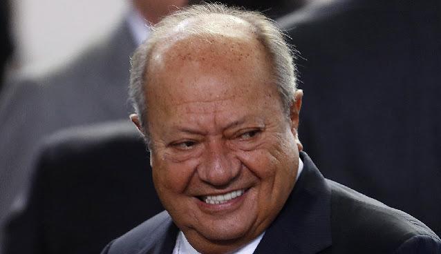 """Jubila"" gobierno federal al todo poderoso Carlos Romero Deschamps"