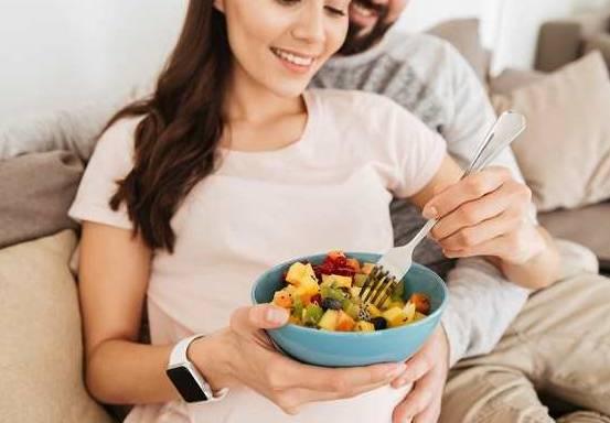 Daftar 10 Makanan yang Baik Untuk Ibu Hamil Konsumsi