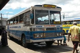 Busse ohne Fenster in Lambasa
