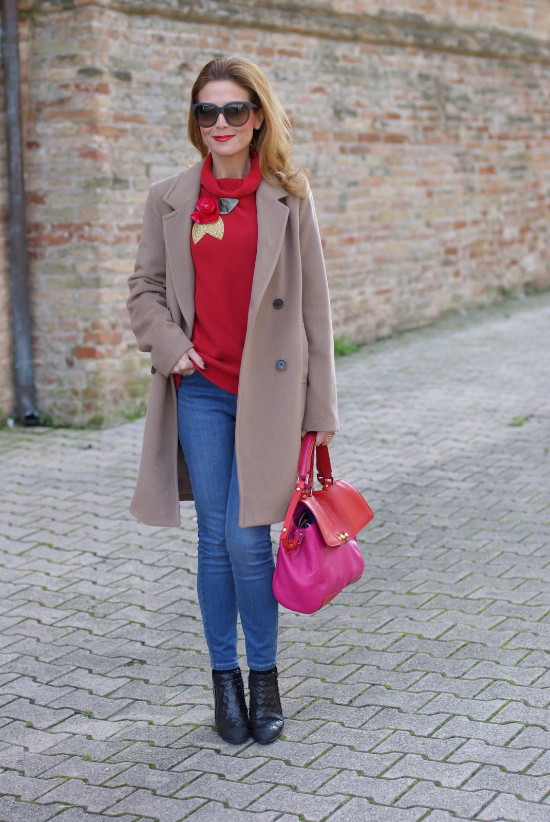 Camel boyfriend coat and Botticelli shoes on Fashion and Cookies fashion blog, fashion blogger style