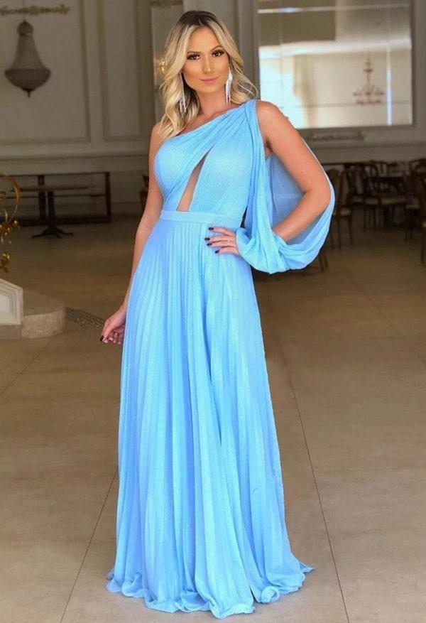 vestido longo azul claro plissado