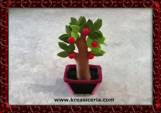 Ide Kreatif Pohon Apel dari Kain Flanel