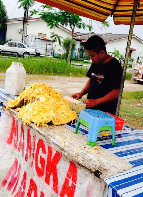 Jana Pendapatan RM7K Sebulan Hanya Dengan Menjual Nangka Tepi Jalan