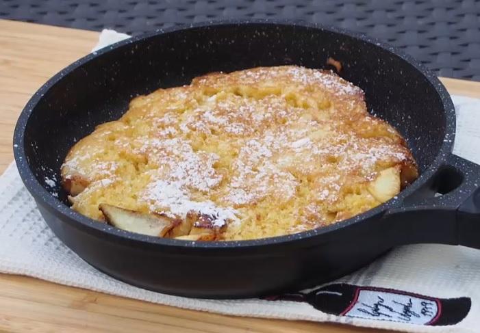 עוגת תפוחים במחבת – קינוח חם בלי תנור