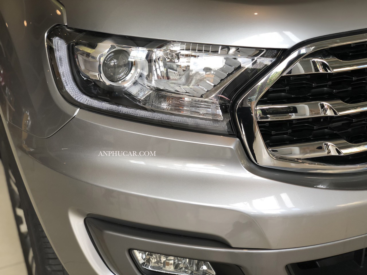 đèn xe ford everest 2019