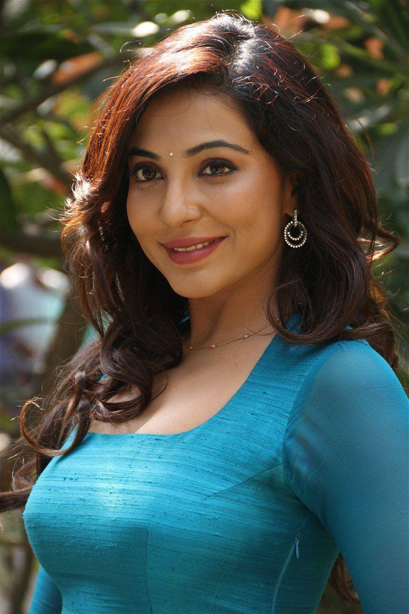 Parvathy Nair Latest Photos