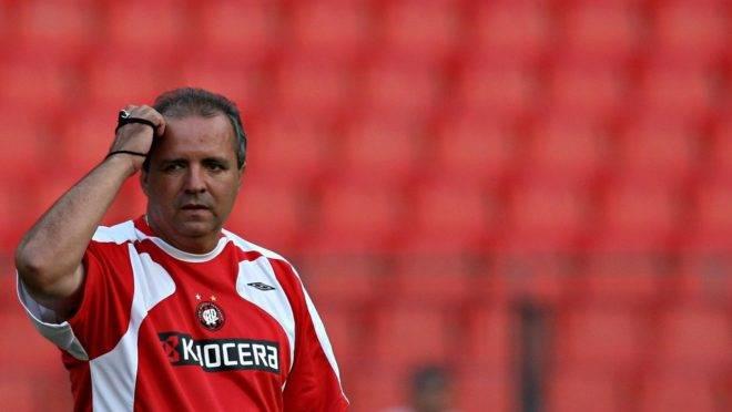 Morre Vadão, ex-técnico do Athletico e da Seleção Feminina do Brasil