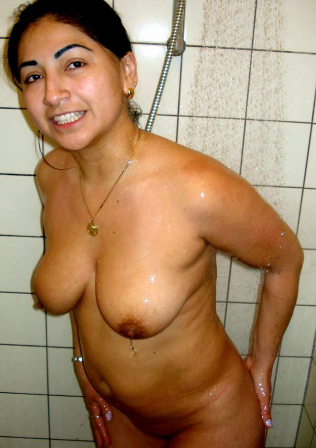 indian girl taking shower naked