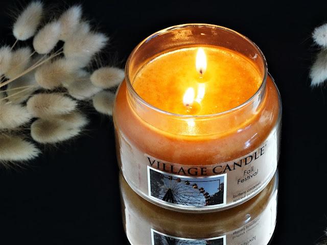 fall festival village candle, bougie village candle, bougie parfumée 2 mèches, bougie au caramel, bougie américaine