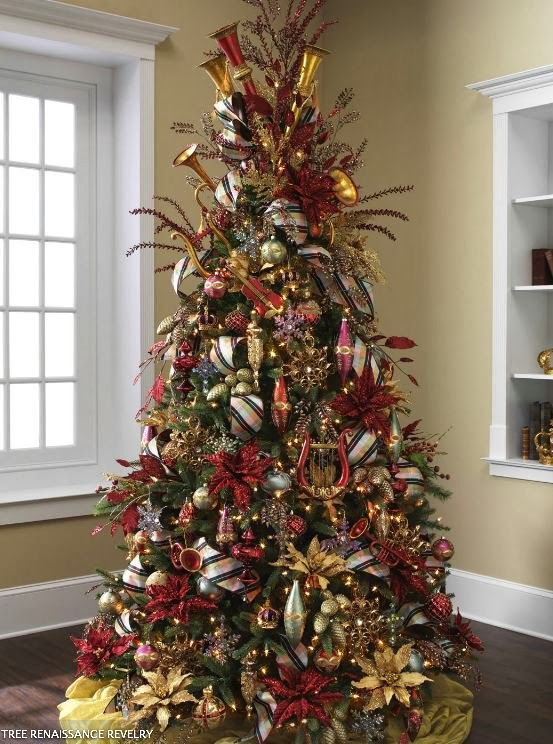 Color Outside the Lines: Georgeous Christmas Tree Inspiration
