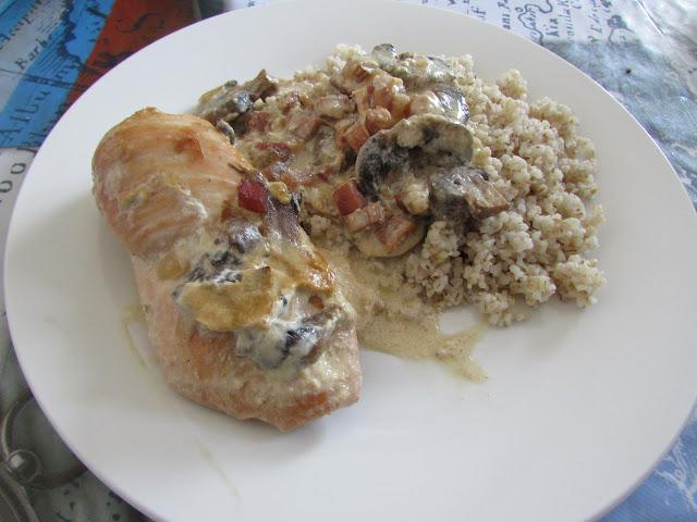 filety z kurczaka zapiekane w sosie