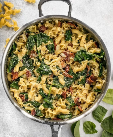 BACON AND SPINACH PASTA WITH PARMESAN #parmesan #dinner