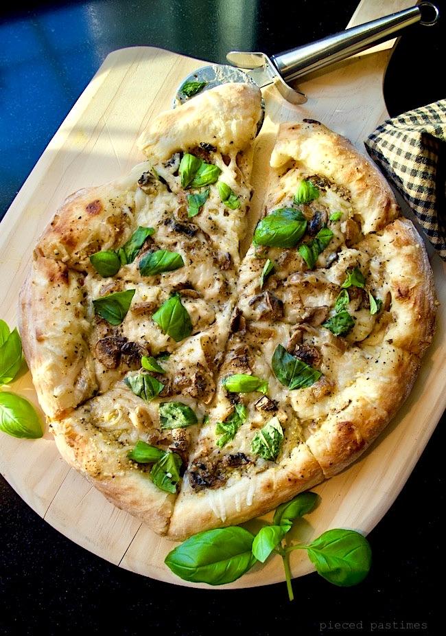 Caramelized Onion, Mushroom White Pizza {Vegan} at Pieced Pastimes