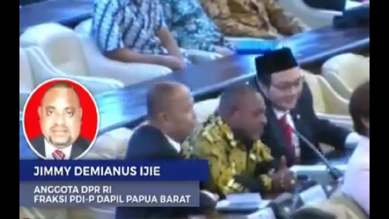 Protes Saat Pemilihan Ketua MPR, Politisi Papua Menangis: Hanya Berebut Kuasa, Pengungsi Butuh Bantuan!!