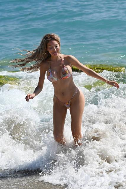Farrah Abraham  – In a bikini in Palm Beach