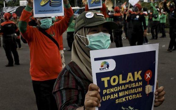 Alasan Buruh Tolak Rumus Baru Upah dan Pesangon Jokowi