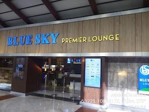 Bersantai Menunggu Penerbangan di Premiere Blue Sky Lounge Terminal 2 Bandara Soetta