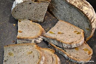 Chlebowo-artystyczny nieład