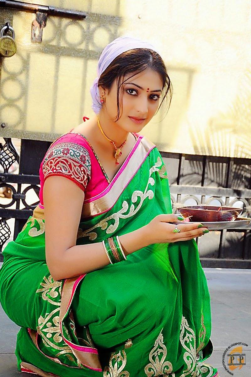 Haripriya South Indian Heroine As Homely Girl Hq Photo
