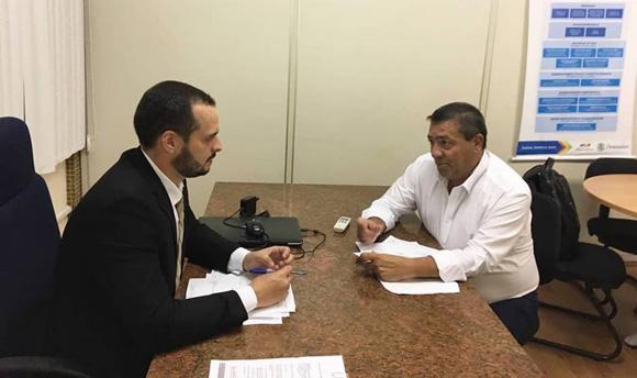 Prefeito de Iguaracy visitou Secretaria Estadual de Transportes onde apresentou demandas visando melhorias para o município