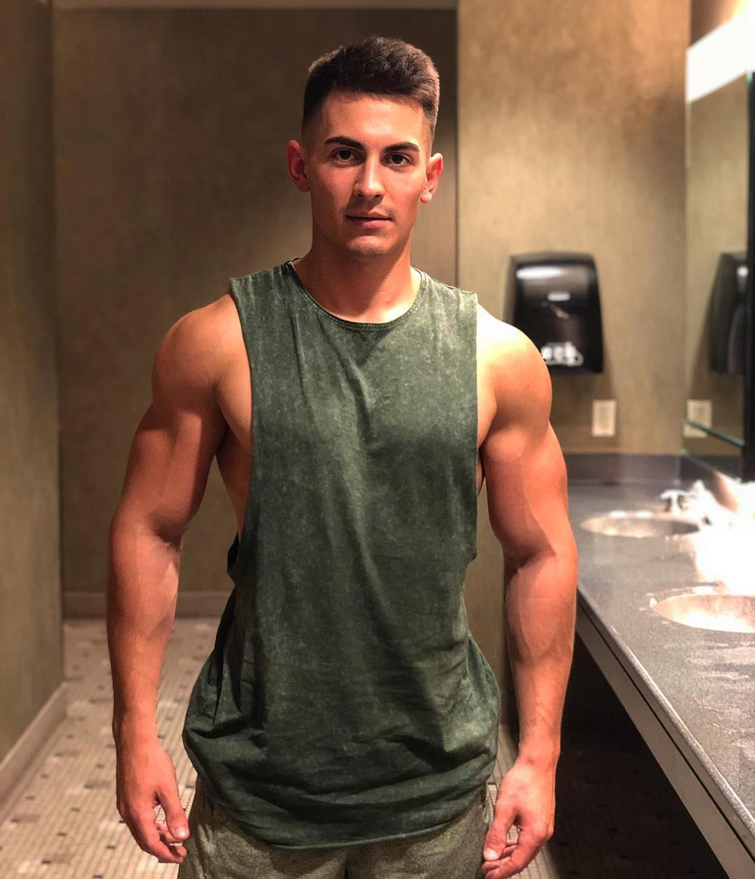 cute-bad-boys-young-college-athlete-dude-hot-bro-big-biceps-strong-arms
