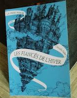 http://delaplumeauclic.blogspot.fr/2016/05/chronique-la-passe-miroir-1-les-fiances.html