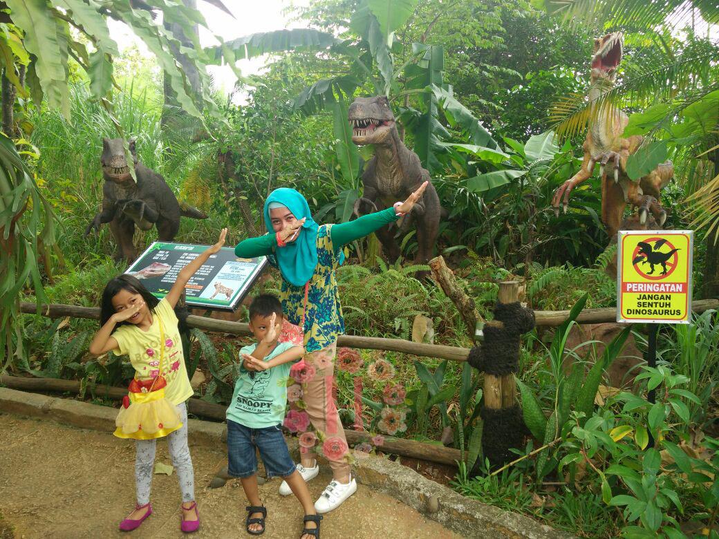 Berpetualang Bersama Dinosaurus Di Taman Legenda Story Never End