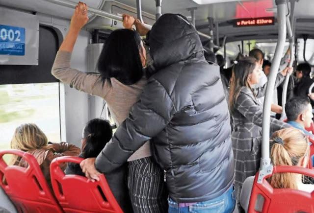 50% de las mujeres que viajan en transporte público son acosadas