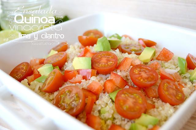 Ensalada de quinoa con vinagreta de lima y cilantro