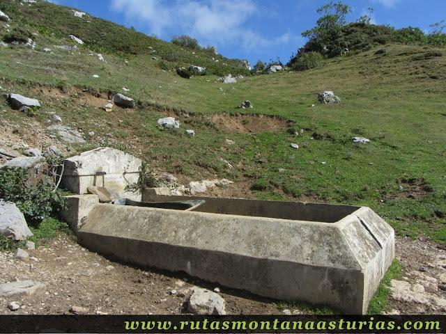 Ruta circular de Taranes al Tiatordos: Fuente seca en la majada