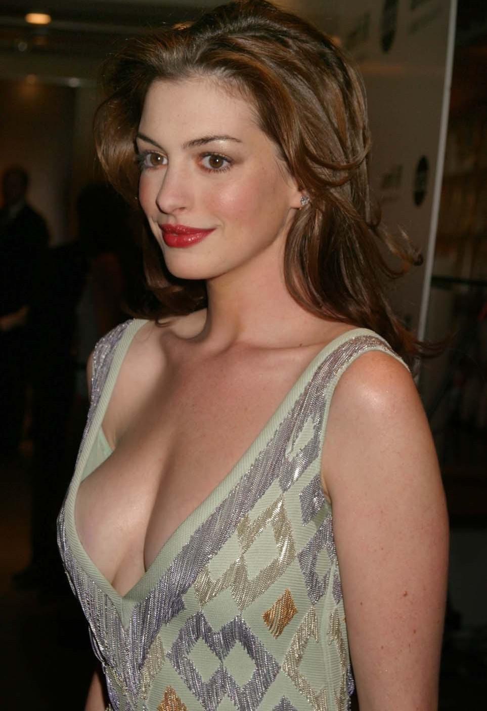 Big Tits Celebrities Pics