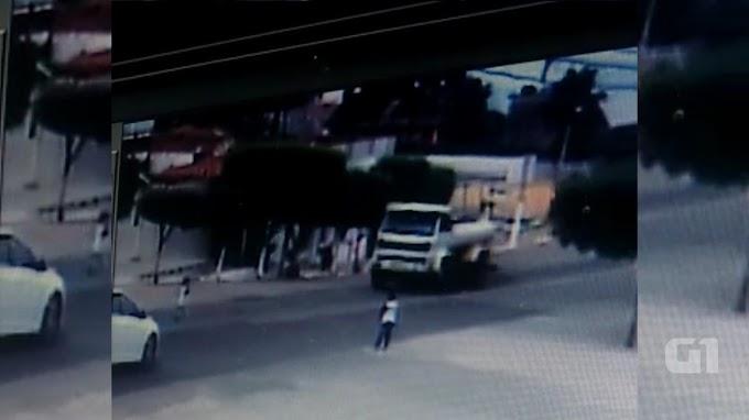 Criança é atropelada e sai andando normalmente no Sertão da PB; veja vídeo