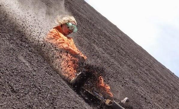 Κατεβαίνοντας τις πλαγιές των ηφαιστείων... [photos]