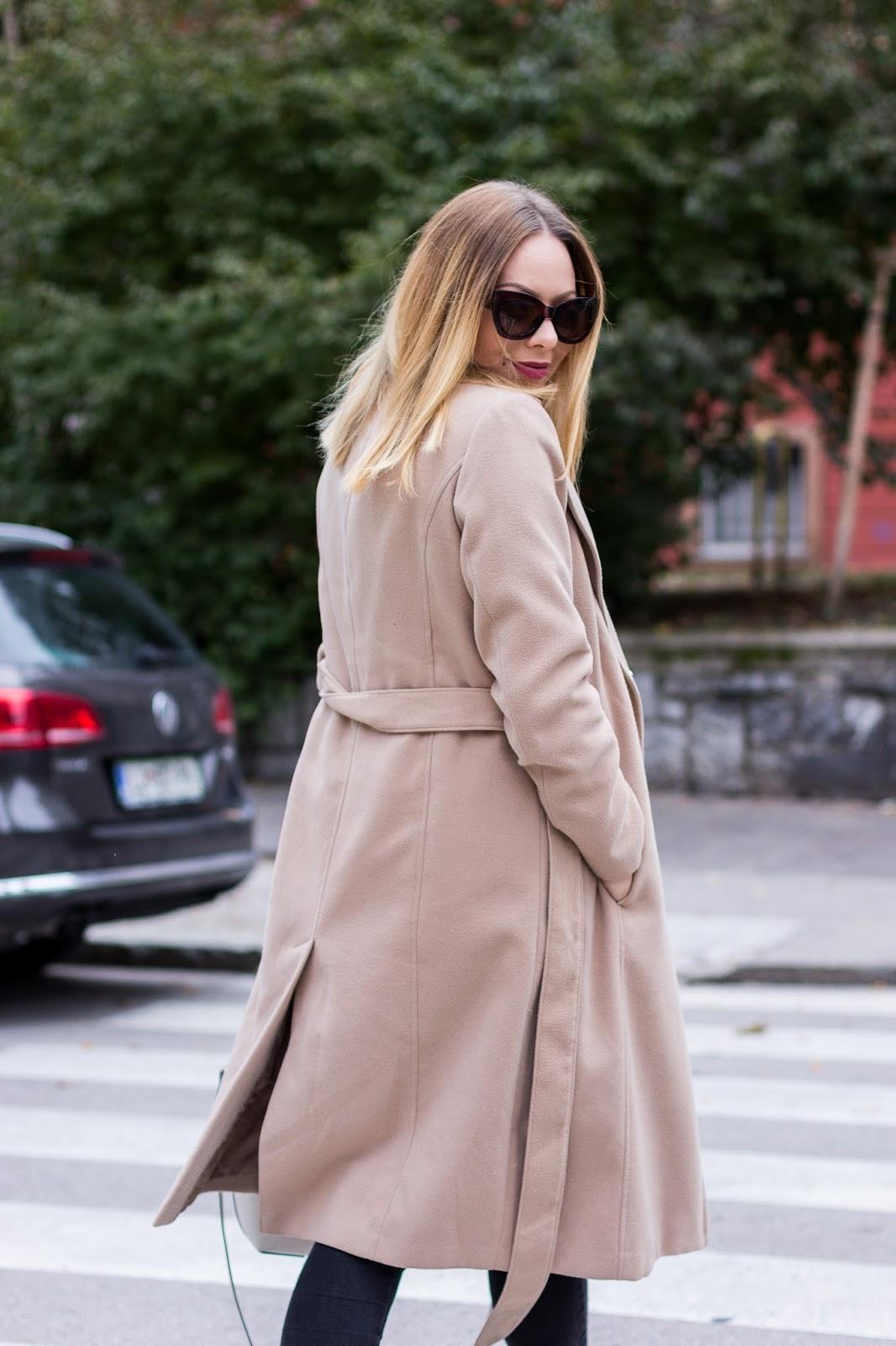 biege coat