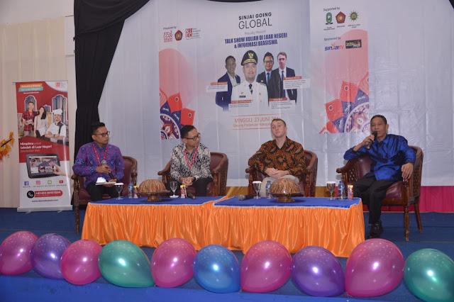 Asisten Tata Pemerintahan Sinjai Buka Talk Show Kuliah Luar Negeri