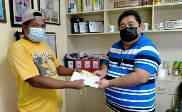 Construction worker returned Php 14,500