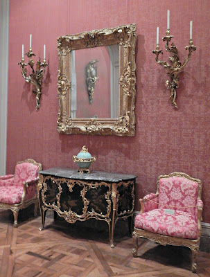 Getty, antique, furniture