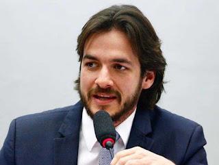 Pedro Cunha Lima critica gastos da gestão Bolsonaro com leite condensado