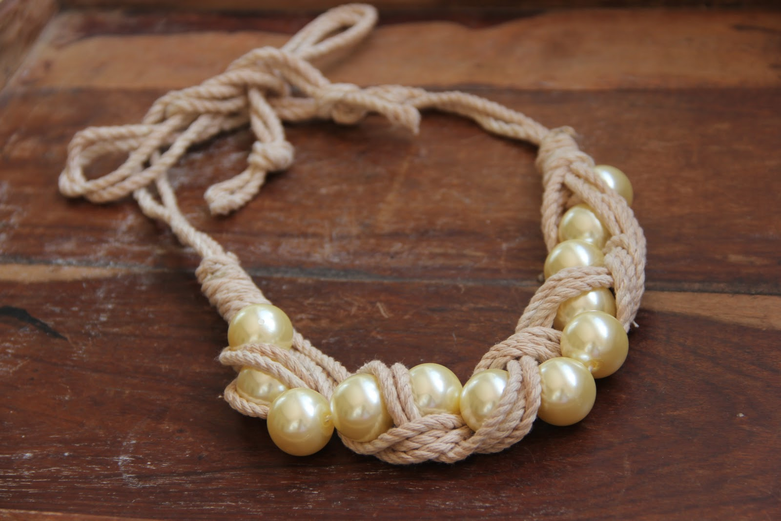 Queen Of Funky DIY: DIY Braided Rope Necklace