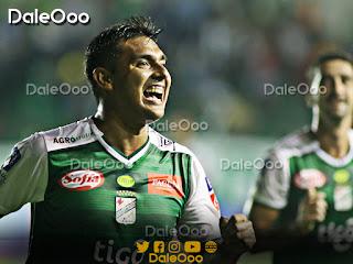 José Alfredo Castillo celebra su gol marcado a Aurora que perdió con Oriente Petrolero 2 a 1 - DaleOoo