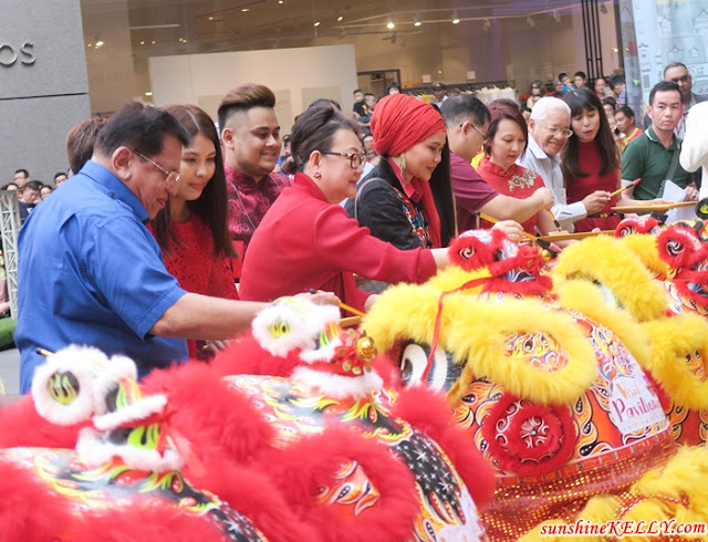 World Dragon & Lion Dance Extravaganza Kicked Off Visit Pavilion 2018