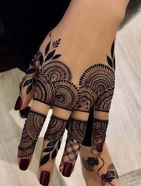 45 Striking Khafif Mehndi Designs Collection For Hands To
