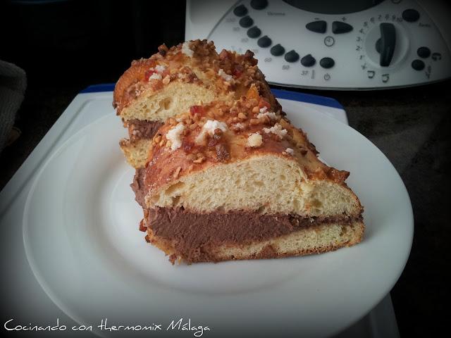 Roscón de Reyes relleno de trufa (con azúcar invertido)