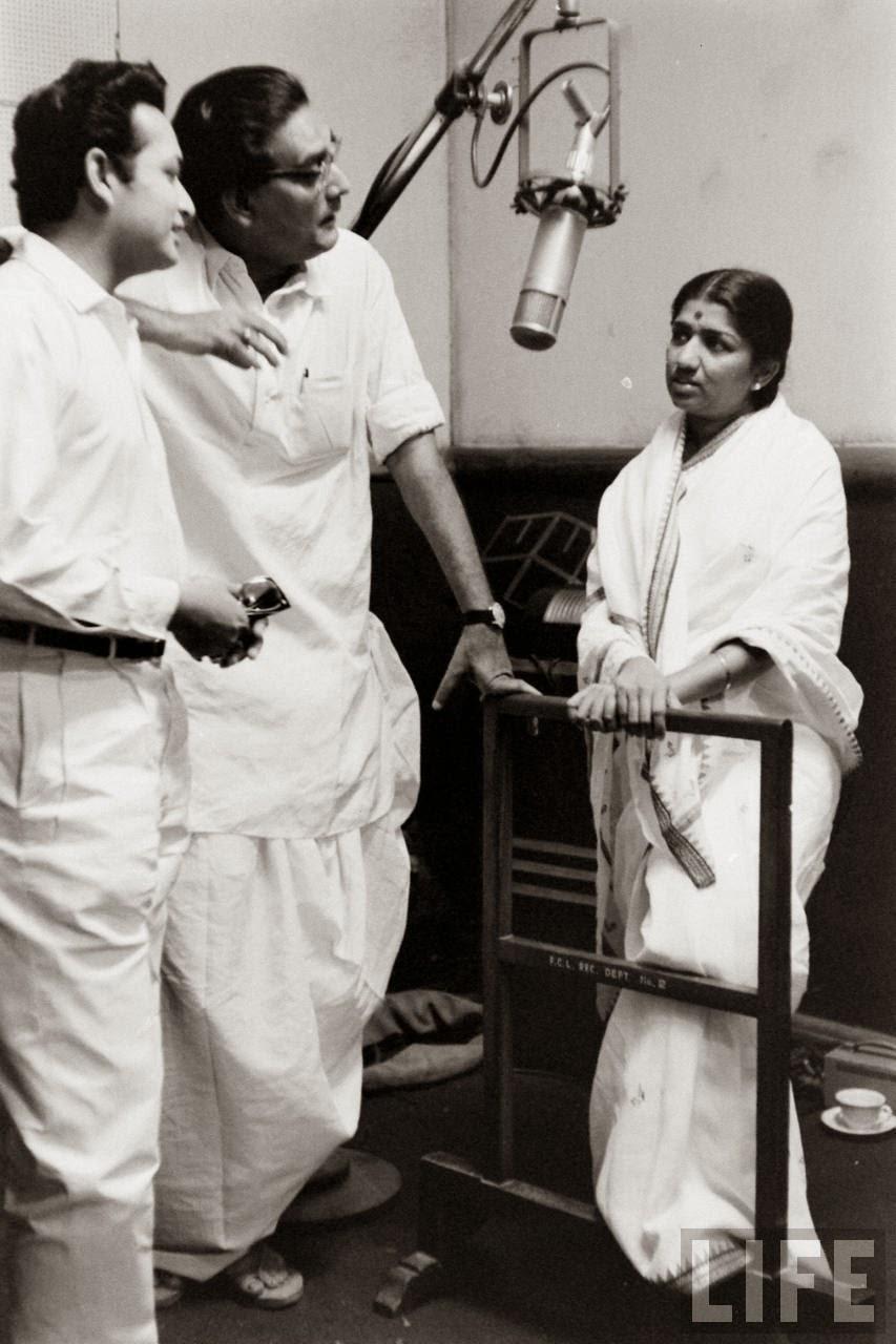 Lata Mangeshkar with Hemanta Mukherjee and Biswajit Chatterjee
