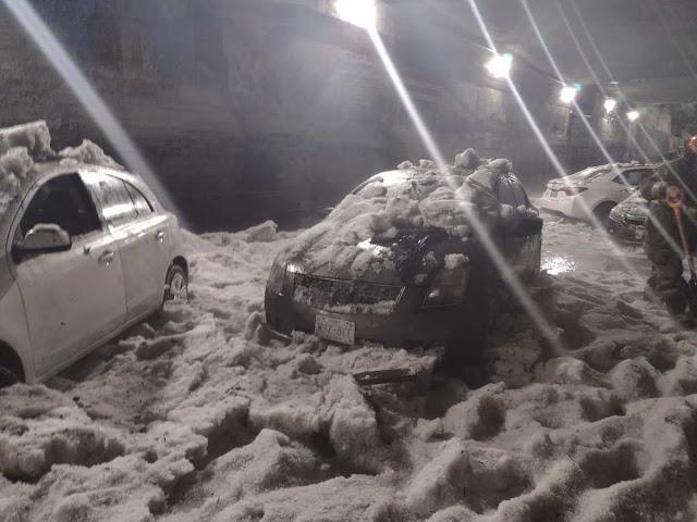 Hombre murió por hipotermia, atrapado en su automóvil por granizada en el Estado de México