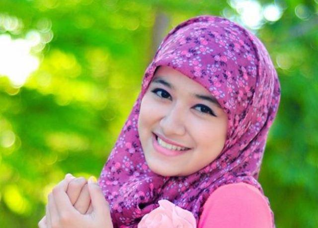 Pengertian Jilbab - Penutup Aurat Wanita Bagian Atas