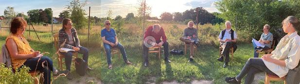 Es finden regelmäßige Treffen der Arbeitsgruppe Pastors Hus statt - im Sommer mit dem nötigen Abstand auch draußen.