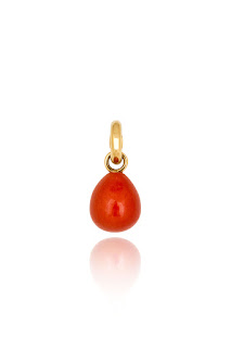 http://www.laprendo.com/SG/products/39222/OLE-LYNGGAARD-COPENHAGEN/Ole-Lynggaard-Copenhagen-Red-Coral-Sweet-Drop-Charm-in-Yellow-Gold?utm_source=Blog&utm_medium=Website&utm_content=39222&utm_campaign=23+Nov+2016